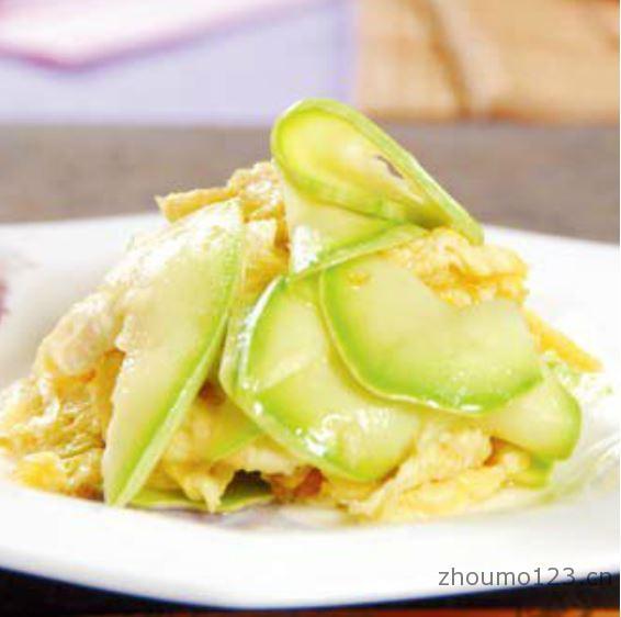 西葫芦炒鸡蛋的做法
